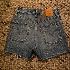 Ribcage Levi's Shorts New 24 Jean